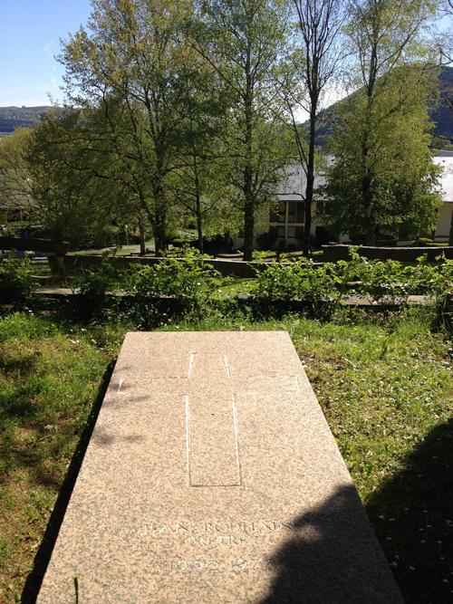 Tombe de Jean Rodhain